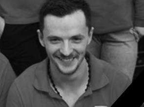 Încă un tânăr mort din cauza incompetenţei statului român. Alex a pierdut lupta cu viaţa, chiar de ziua lui