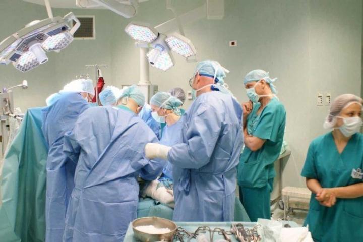 sala-de-operatie.jpg