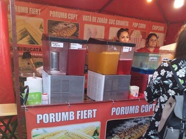 Video   Sucuri preparate cu apă pentru irigații, vândute la un festival organizat la Botoșani